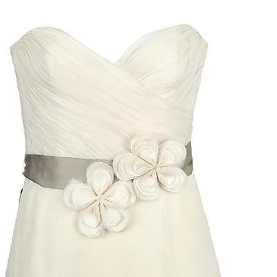 sweet heart line flower motive dress